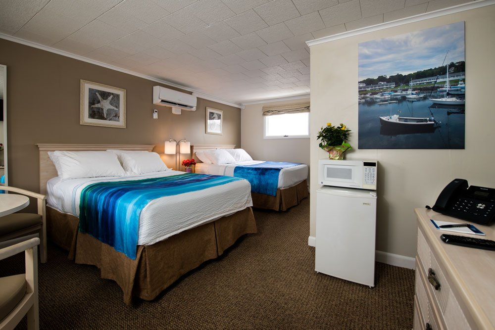 Two Double Beds in Footbridge Motel in Ogunquit, Maine
