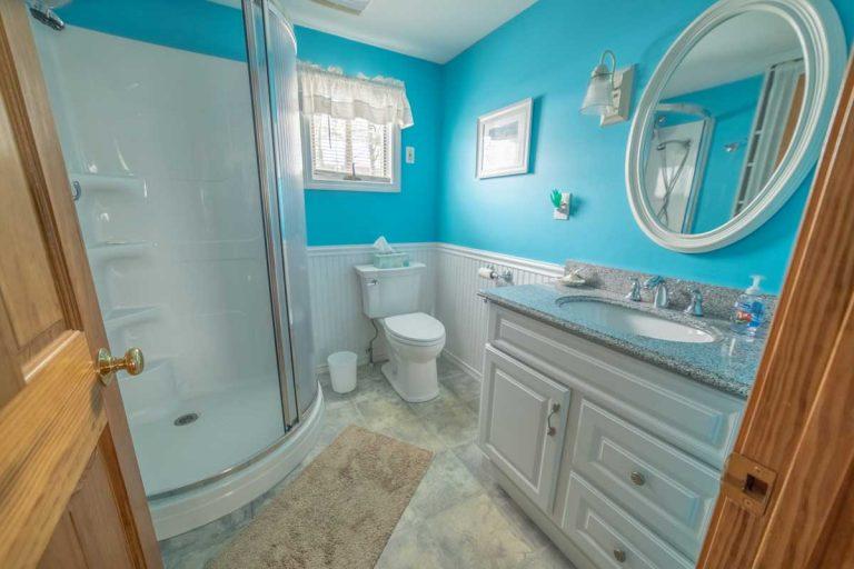 OGT-Beach-House-Interior-Upstairs-Bathroom