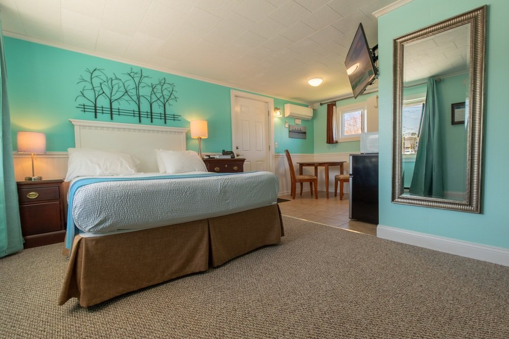 Footbridge Motel Room 01 | Bedroom
