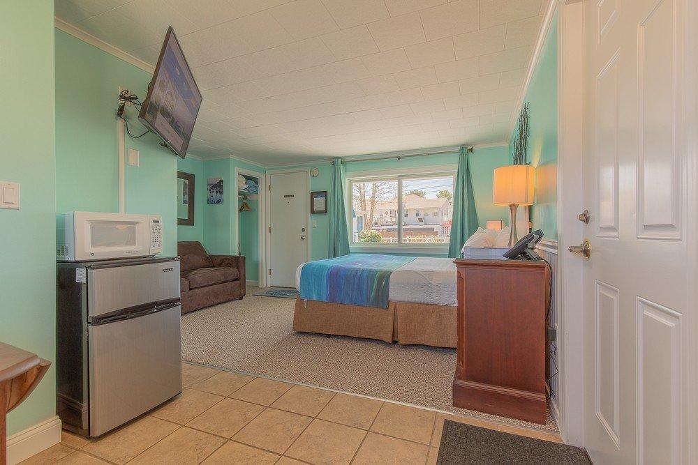 Footbridge Motel Room 01 | Bedroom Perspective