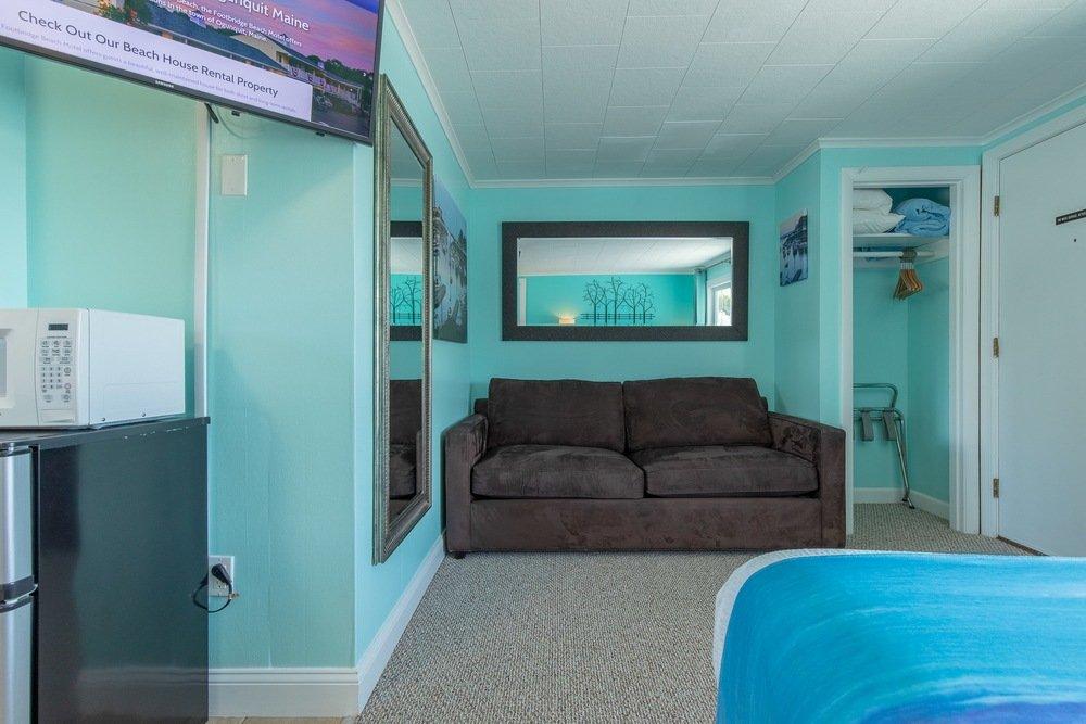 Footbridge Motel Room 01 | Guest Area