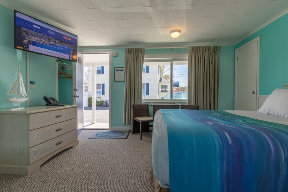 Footbridge Motel Room 03 | Side View