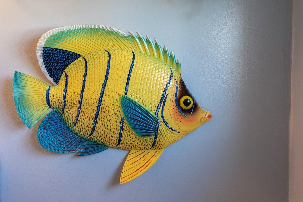 Footbridge Motel Room 06   Fish Decoration