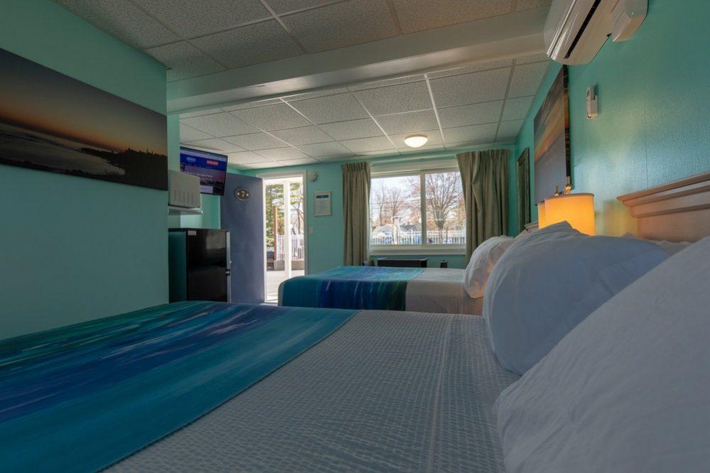 Footbridge Motel Room 07 | Interior Corner View