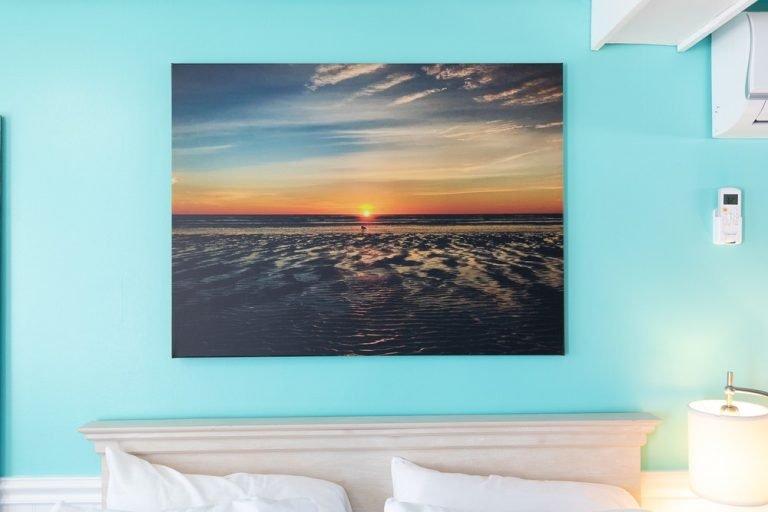 Footbridge Motel Room 07 | Painting Decoration