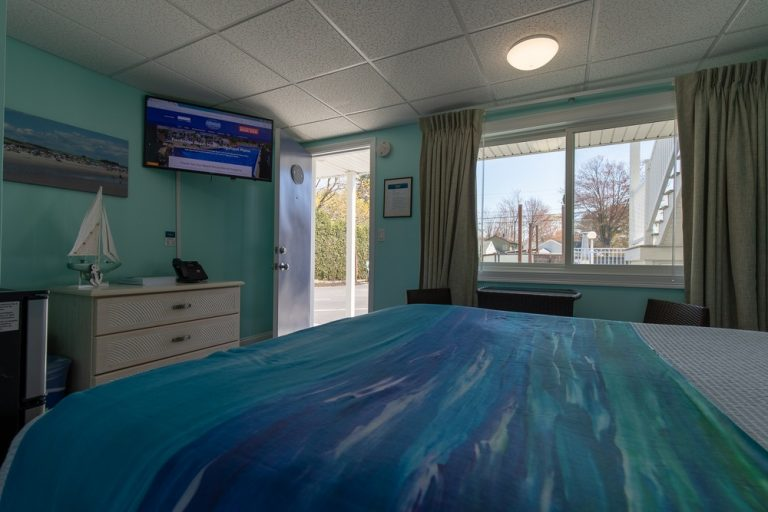 Footbridge Motel Room 09 | Inside Perspective