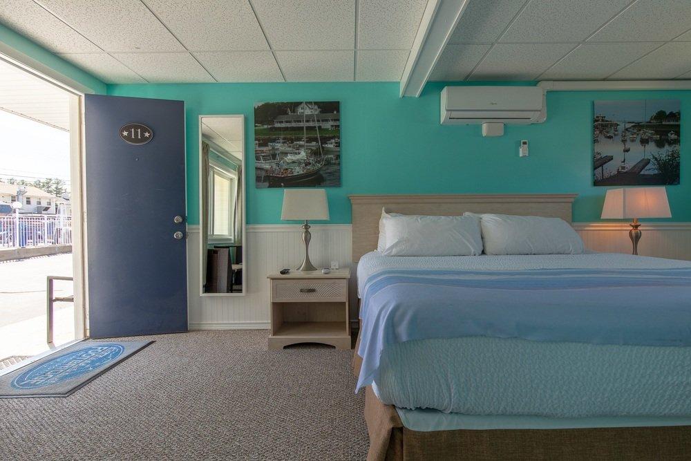 Footbridge Motel Room 11 | Frontal