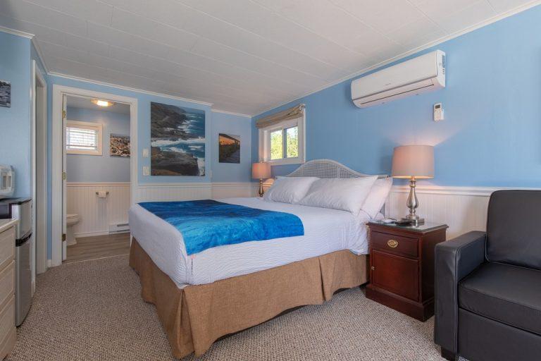 Footbridge Motel Room 12 | Perspective Closer