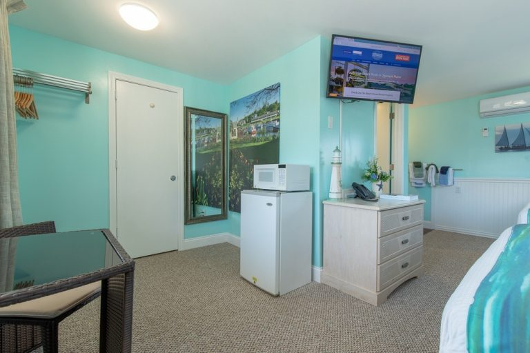 Footbridge Motel Room 15 | Corner View Entrance Side