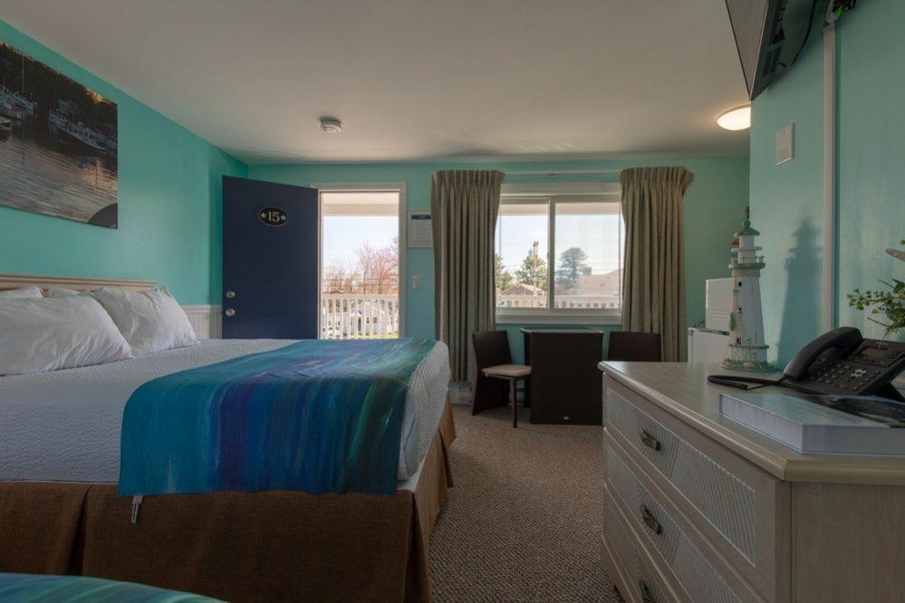 Footbridge Motel Room 15 | Side View Inside