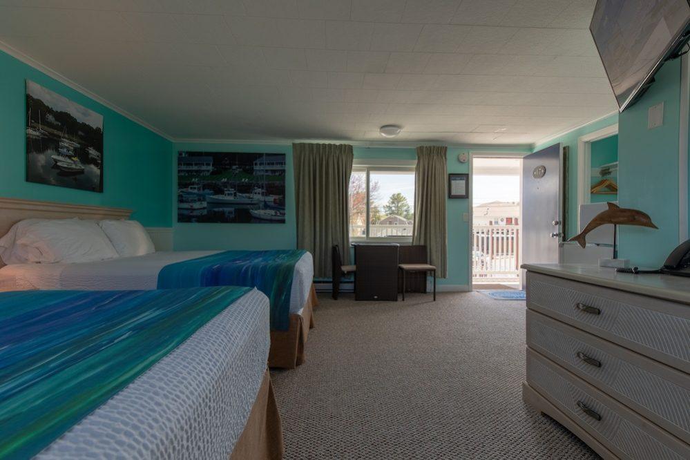 Footbridge Motel Room 17 | Interior View