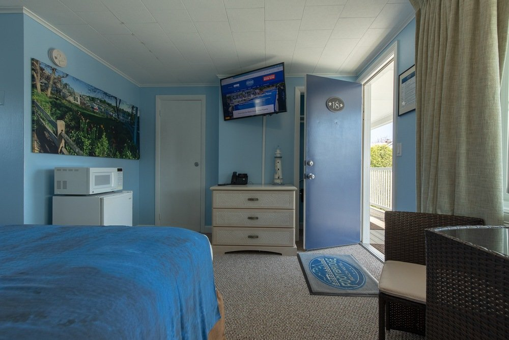 Footbridge Motel Room 18 | Living Room View