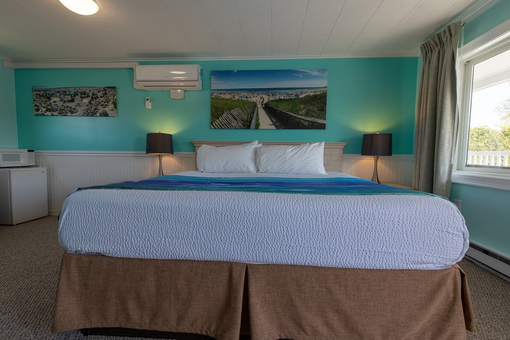 Footbridge Motel Room 19 | Bedroom
