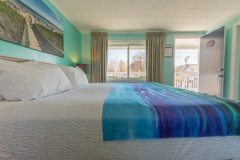 Footbridge Motel Room 19 | Living Room | Bed